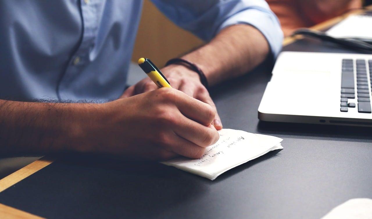 Comment écrire une lettre amicale?